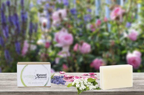 Natuurlijke conditioner bar voor vrouwen met Jasmijn, Lavendel en Roos. Garden of Flowers.